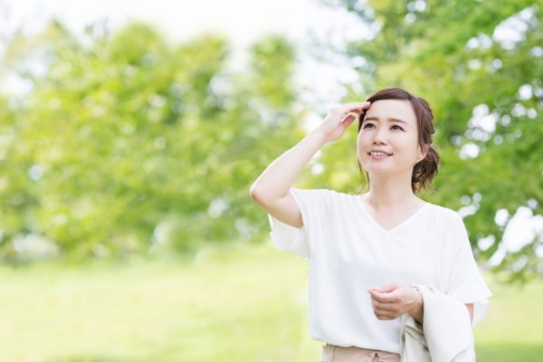 夏の紫外線から髪を守る効果的な方法とは?