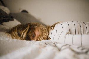 ストレスが原因でシミができるってほんと?とっておきのストレスケア「気分転換法」とは