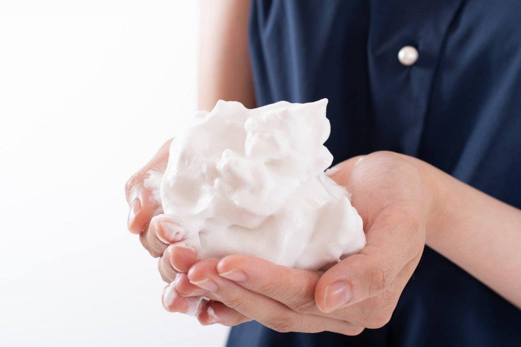 洗顔後のお肌がつっぱる!原因と対策方法